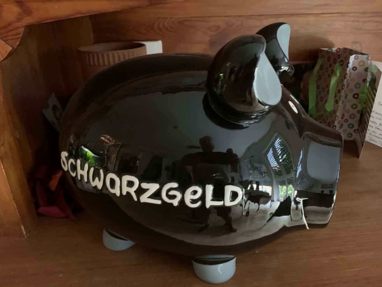 Sparschwein zum monatlichen Sparen